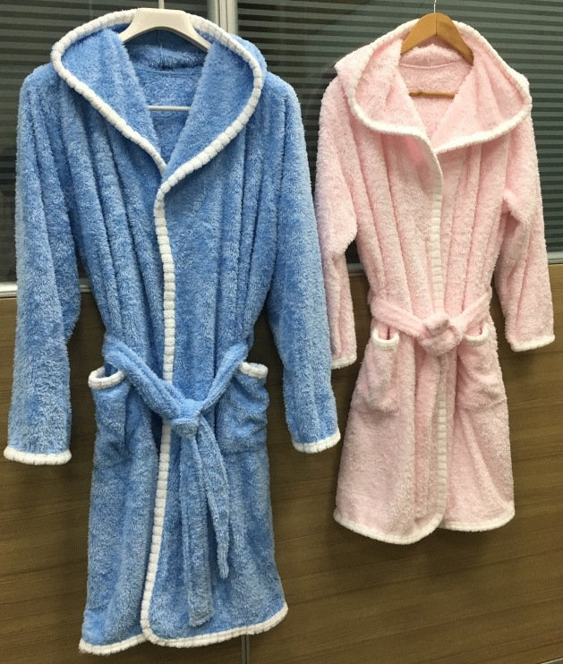 Adult's Hooded Bathrobe 5