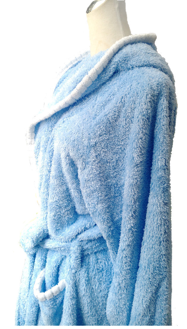 Adult's Hooded Bathrobe 3